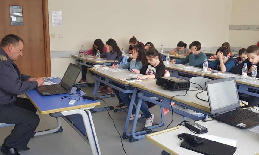 Обучение на ученици за действия при природни бедствия